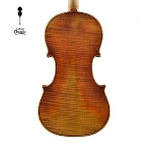 Fondo. Modelo Stradivari 1728